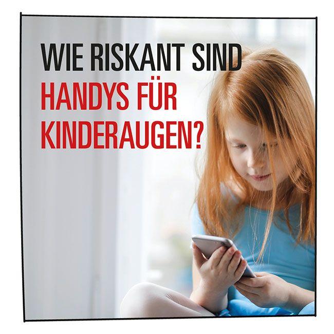 Handy für Kinder: Kleines Mädchen mit Smartphone in der Hand